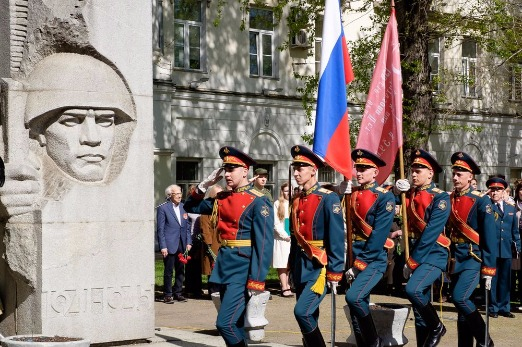 02_Victory Day_Gallery